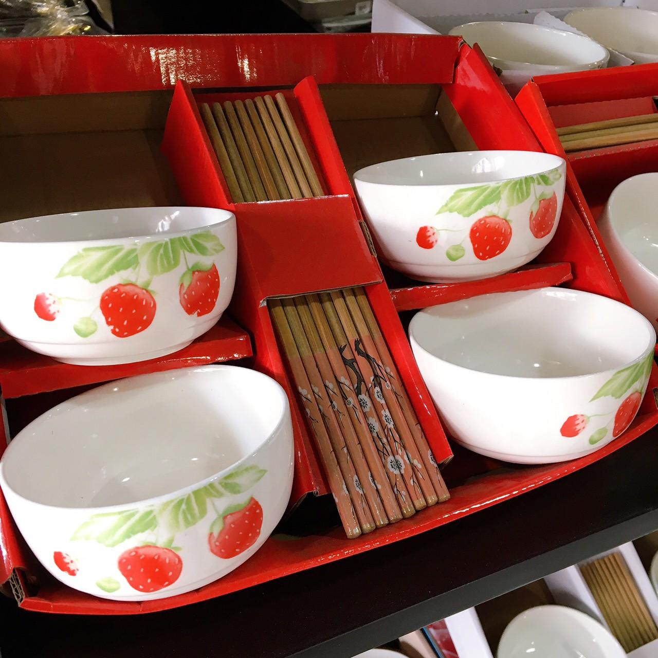 Mana ชุดของขวัญ Ceramics Tableware 108.- ส่งฟรี  ถ้วย 4 นิ้ว 2 ใบ ตะเกียบ 2 คู่